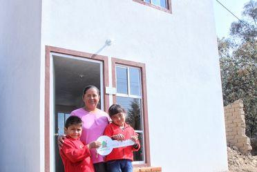Entrega de acciones de vivienda en Tlaxcala.
