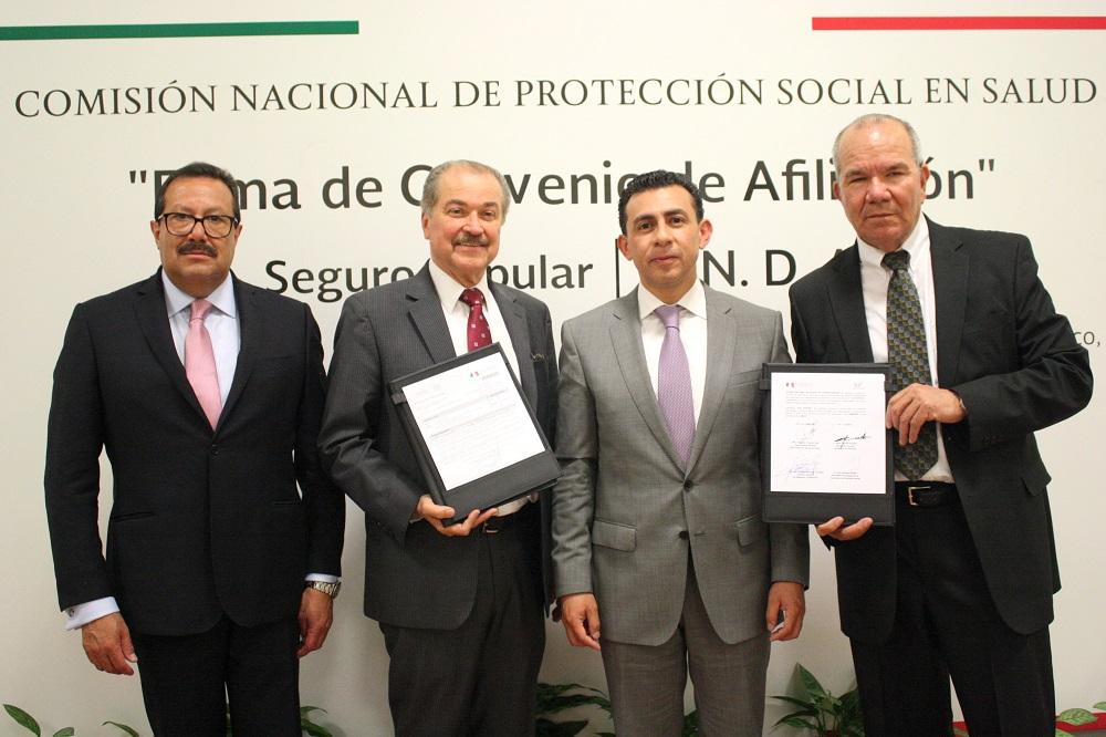 Para otorgar servicios de calidad y calidez de manera gratuita a más mexicanas y mexicanos, Antonio Chemor, comisionado nacional del Seguro Popular y Abel Casillas de la ANDA, firmaron Convenio de Afiliación.
