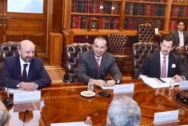 a la izquierda el titular de la Comisión Nacional de Seguridad, Renato Sales, en medio el Secretario de Gobernación,  a a derecha el Titular del Secretariado Ejecutivo de Sistema Nacional de Seguridad Pública.