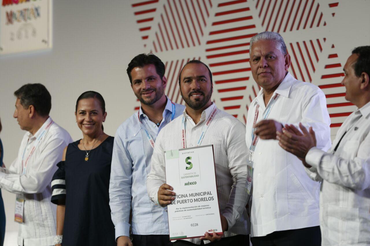 Entrega de reconocimientos en el marco del Tianguis Turístico Mazatlán 2018