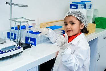 Los niños celebran su día y aprenden a cuidar los productos agroalimentarios de plagas y enfermedades