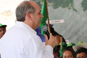 Director General de Conagua, Roberto Ramirez de la Parra en presidium.