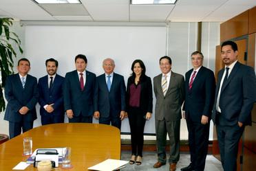 Productiva reunión de trabajo con Eduardo Ramírez Leal, presidente de CMIC, para unir esfuerzos en favor del sector de la vivienda.