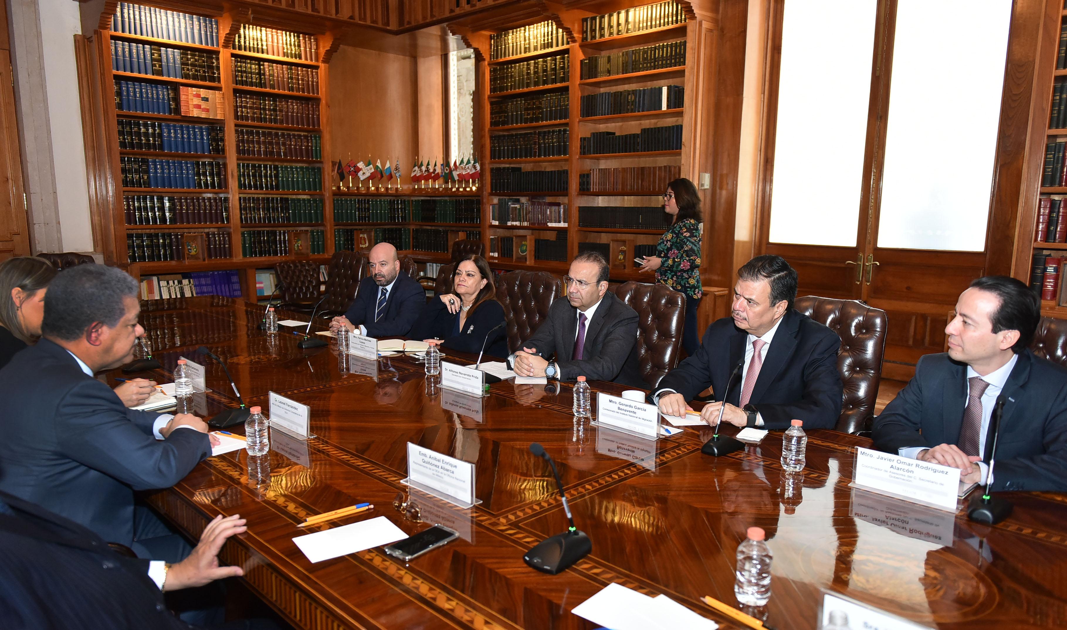 Se reúne el Secretario de Gobernación con el jefe de la Misión de Observadores Extranjeros de la OEA
