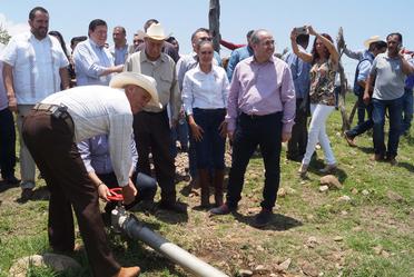 La Comisión Nacional del Agua (Conagua) entregó las obras de modernización de la zona de riego  de la presa José María Morelos 'La Villita'