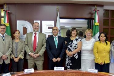 Representantes de DIF Nacional se reúnen con el Embajador de Hungría en México.