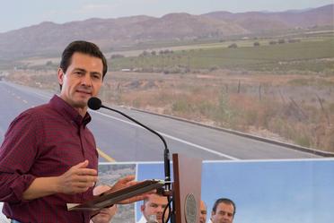Presidente Enrique Peña Nieto durante entrega de carretera Tecate- El Sauzal