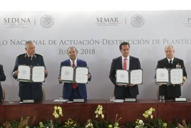 Firma del Protocolo Nacional de Actuación para la Destrucción de Plantíos Ilícitos