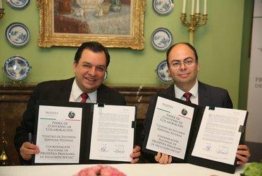 """Convenio de colaboración entre el """"Centro de estudios espinosa yglesias"""" y la Coordinación Nacional de PROSPERA."""