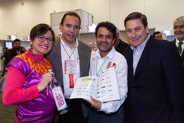 Productores de mescal con Alejandro Vázquez Salido y Baltazar Hinojosa Ochoa
