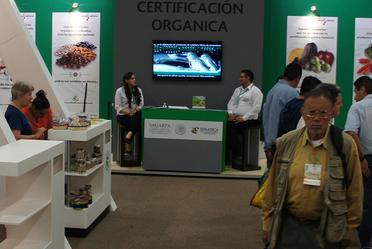 Stand del SENASICA en la expo orgánico