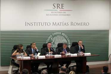 """Panel """"Experiencias para hacer frente a la delincuencia organizada: una visión desde Italia"""""""