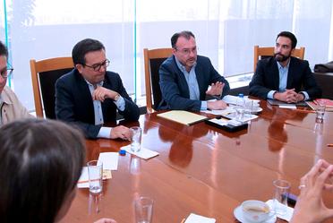 El Secretario de Economía, Ildefonso Guajardo y el Secretario de Relaciones Exteriores, Luis Videgaray en reunión con el equipo de transición