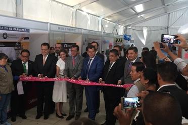 Corte de listón inaugural del Secretario Roberto Campa, el Jefe de Gobierno José Ramón Amieva y representantes del gobierno de la CDMX