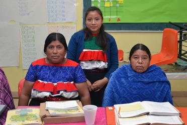Atiende INEA a población indígena en 107 variantes lingüísticas