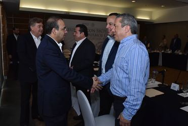 El Secretario de Gobernación Alfonso Navarrete Prida se reúne con empresarios del estado de Baja California