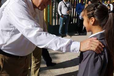 El director general, Enrique Torres Rivera, en el arranque del ciclo escolar 2018-2019 en San Luis Potosí.