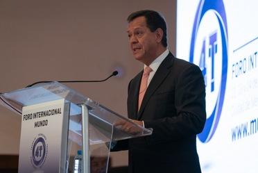 """El Titular de la STPS  Roberto Campa Cifrián dando su discurso durante la inauguración del """"Mundo4T: Trabajo, Tecnología y Transformación para Todos"""""""