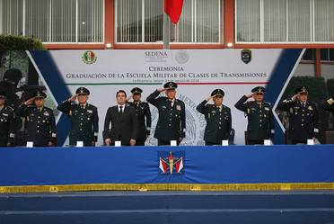 Graduación de la Escuela Militar de Clases de Transmisiones.