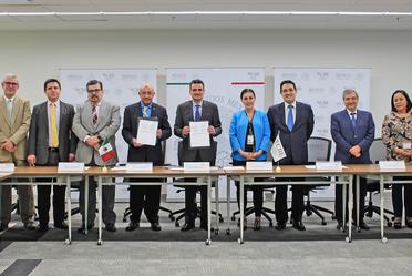Firma del Convenio General de Colaboración Académica entre la CRE y la Universidad Autónoma de Yucatán