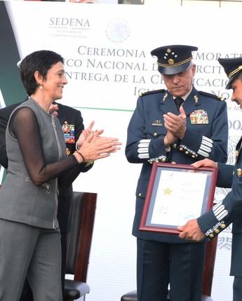 Entrega del certificado de la Norma Mexicana NMX-R-025-SCFI-2015 en Igualdad Laboral y No Discriminación.