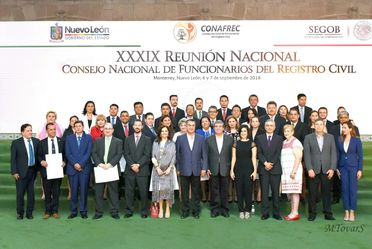 Representantes del Registro Civil, del Gobierno Estatal y Federal