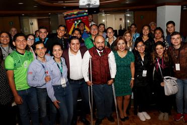 PARTEN JÓVENES MEXICANOS RUMBO A PANAMÁ  BECADOS POR EL IMJUVE
