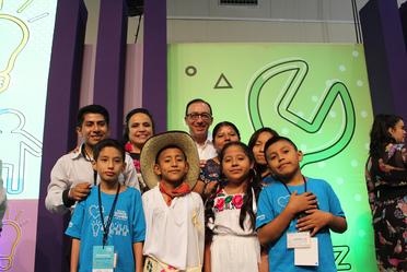 La organización EducarUno, premió a través de Diseña el Cambio, 3 proyectos de mejora de centros educativos.