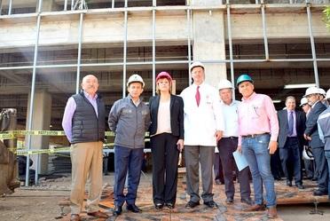 El nuevo Hospital Central Dr. Ignacio Morones Prieto en San Luis Potosí, es el proyecto de infraestructura hospitalaria más trascendente y de mayor impacto estatal y regional, aseguró Antonio Chemor Ruiz Comisionado Nacional del Seguro Popular.