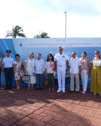 Miles de personas visitan El Buque Escuela Velero Cuauhtémoc en Puerto Chiapas, Chiapas.