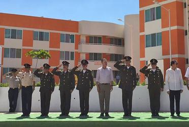 Funcionarios de SEDENA en Ceremonia de inauguración de la Unidad Habitacional Militar Mazatlán V