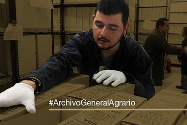 Transferencia documental realizada por trabajador del AGA.