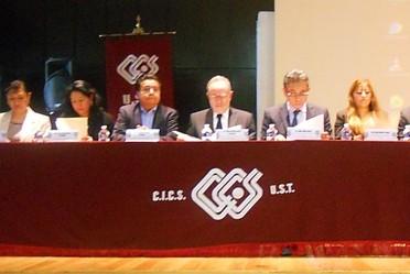 Presídium con personal de la CONAMED y del CICS-UST, Instituto Politécnico Nacional