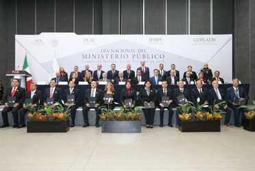 Fotografía oficial de la conmemoración del Día Nacional del Ministerio Público