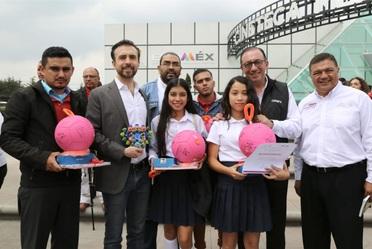 Alfonso Romo Garza Lagüera, presidente de la Fundación Educar Uno y Enrique Torres Rivera, director general del Conafe reconocieron   proyectos de desarrollo comunitario en Toluca, Estado de México.