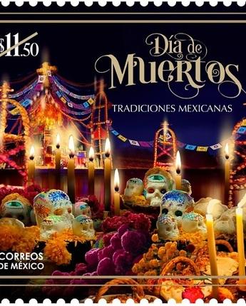 """Correos de México emitió una estampilla dedicada al Día de Muertos, como parte de la colección """"Tradiciones Mexicanas""""."""