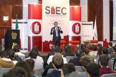 El Secretario de Economía participó en la 37a edición del Simposio Internacional de Economía en el Tec de Monterrey