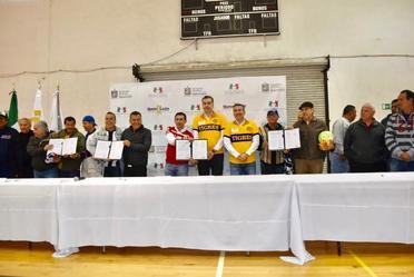 Con la Firma de Convenio de Voluntades Civiles y de colaboración entre el Seguro Popular y exjugadores de los Clubes Tigres y Rayados, se suman más mexicanos a los servicios de salud.