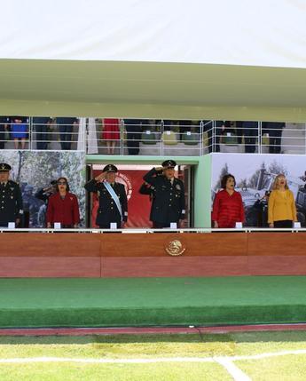 """""""Ceremonia de entrega de 50 Condecoraciones y 900 Distinciones de Desempeño a Generales, Jefes, Oficiales y Tropa"""""""