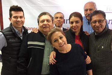 Un grupo de delegados, entre ellos el de Nuevo León, Chiapas, Durango, Puebla, Nayarit, Coahuila, Tlaxcala y Campeche.