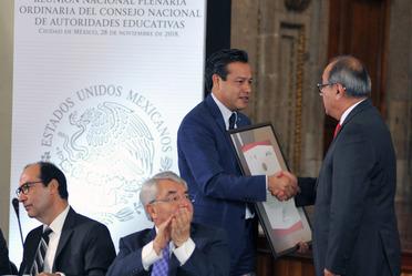 Anuncia Granados Roldán que México alcanzó la tasa para ser un país plenamente alfabetizado