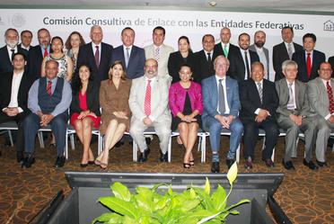 Patricia Chemor Ruiz, Secretaria General del Consejo Nacional de Población, en compañía de titulares de los Consejos Estatales de Población u Organismos Equivalentes