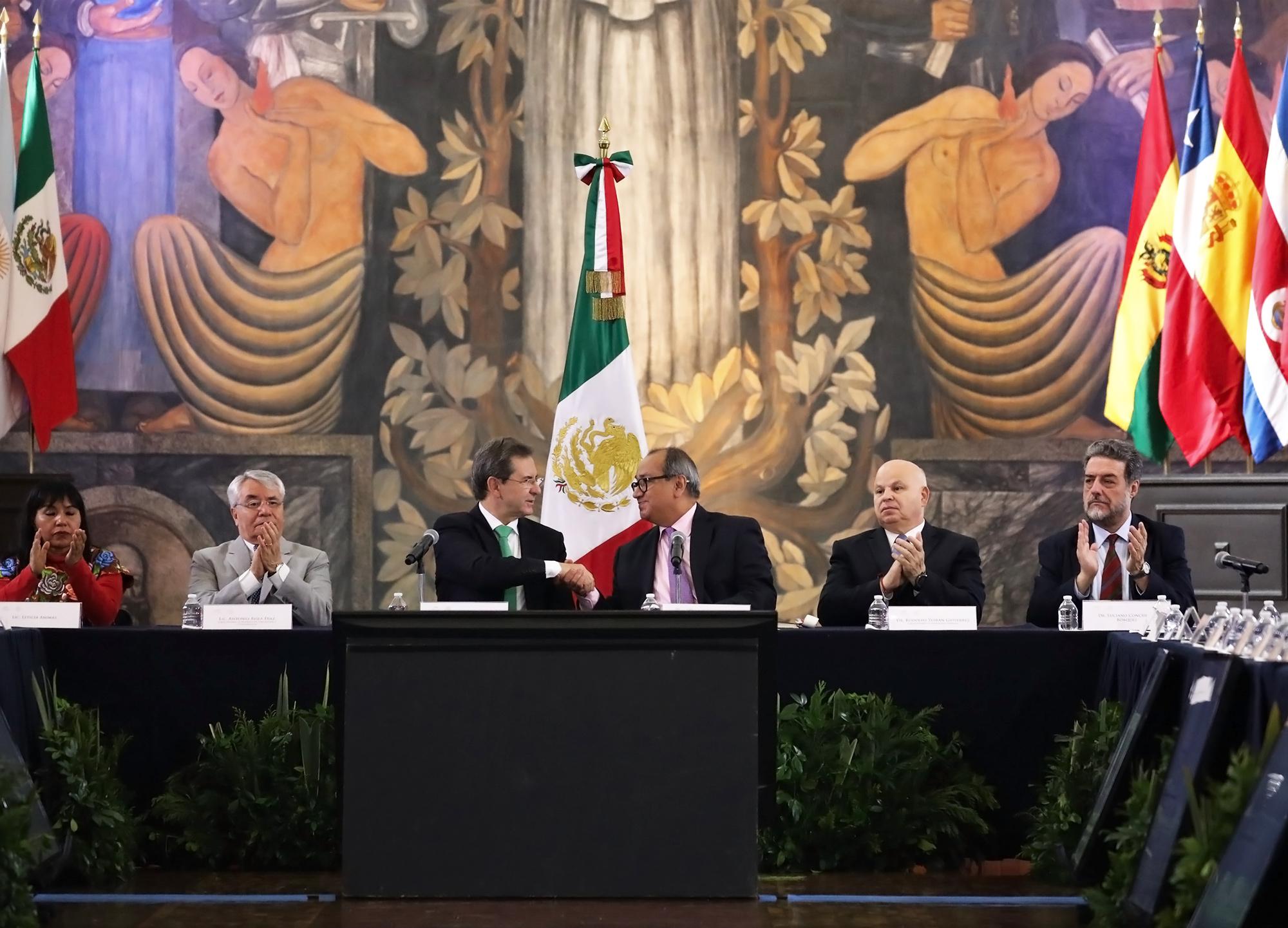 Imagen del secretario Esteban Moctezuma