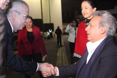 Arribó a nuestro país el Presidente de la República del Ecuador, Lenín Moreno, fue recibido por Carlos Urzúa, Secretario de Hacienda y Crédito Público