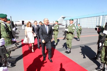 Llega a México, el Presidente de República Dominicana, Danilo Medina. Fue recibido por el Sr. Cesar Yáñez, Coordinador de Política y Gobierno