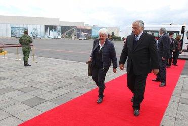 Llega a la Ciudad de México la Vicepresidenta de la República Oriental del Uruguay, Lucía Topolansky  quien fue recibida por el Secretario de Turismo, Miguel Torruco Marqués.