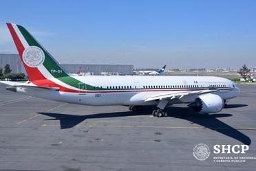 """El avión presidencial """"José María Morelos y Pavón"""", viajó a California, Estados Unidos, para ser vendido"""
