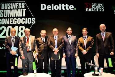 Ing. Javier Delgado Mendoza en foro de Deloitte