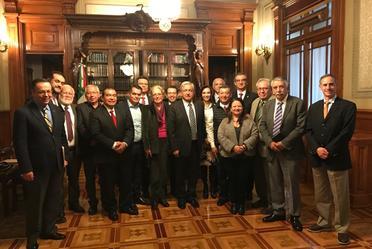Ivonne Cisneros Comisionada Nacional en reunión con el Presidente de México Andrés Manuel López Obrador y los titulares del sector salud, en Palacio Nacional.