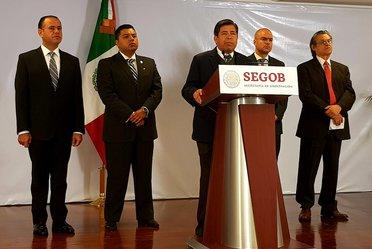 Comisionado del INAMI, Dr. Tonatiuh Guillén López en conferencia de prensa matutina